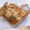 Pastel de soja texturizada con brócoli y puré de yuca